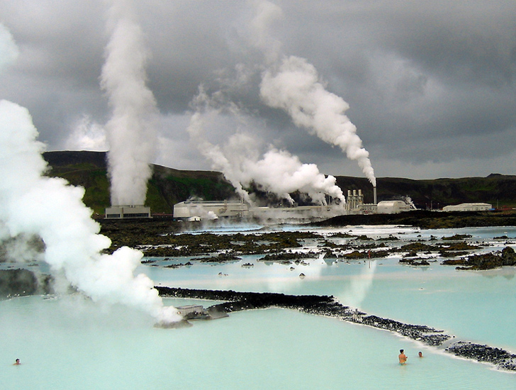 iceland-blue-lagoon-geothermal-spa