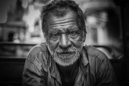 old-man-2687112_1920